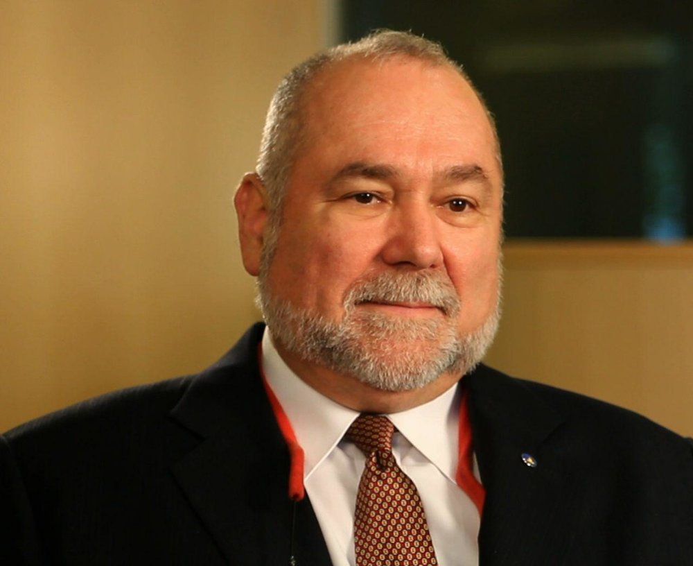 TEHRAN - Robert David Steele, a former Marine Corps infantry officer and CIA spy as well as an activist for Open Source Everything Engineering (OSEE), regularly answers questions for Tehran Times.